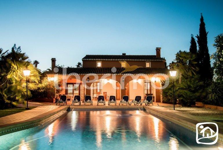 Villa   à Benissa pour 9 personnes avec piscine privée et internet p2