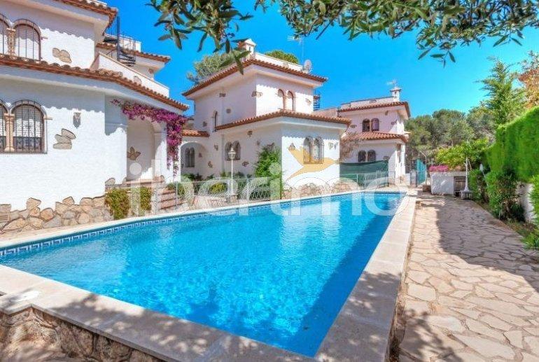 Villa   à Miami Platja pour 6 personnes avec piscine commune p0