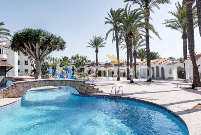 Villa   à Denia pour 6 personnes avec piscine commune p4