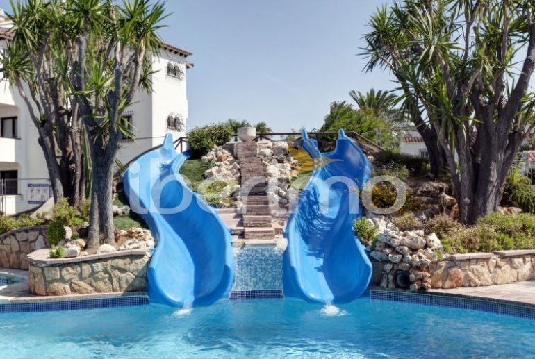 Villa   à Denia pour 6 personnes avec piscine commune p6
