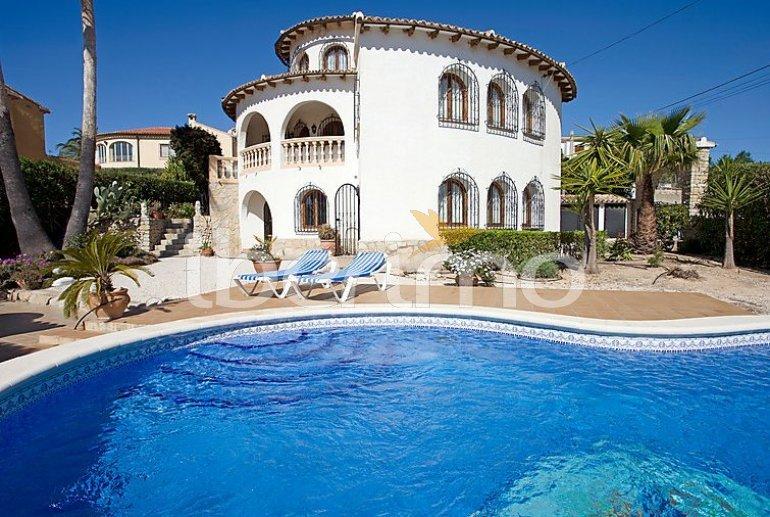 Villa   à Calpe pour 8 personnes avec piscine privée p0