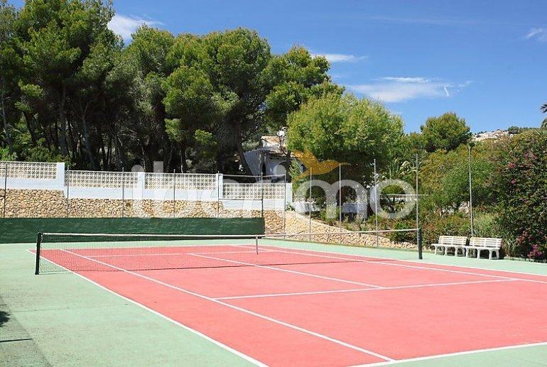Villa   à Moraira pour 10 personnes avec piscine privée p4