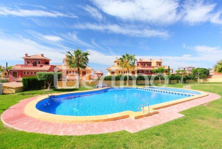 Villa   à Benidorm pour 6 personnes avec piscine commune p5