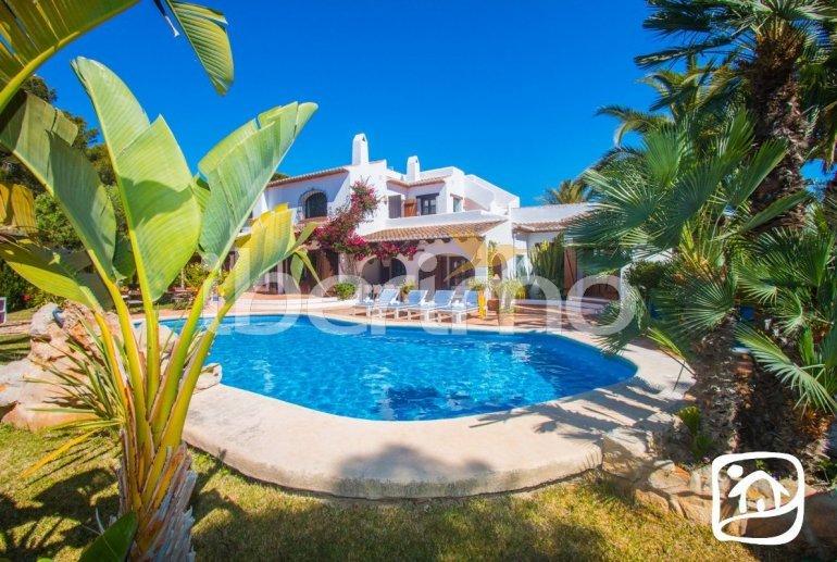 Villa   à Moraira pour 10 personnes avec piscine privée, internet et proche mer p0