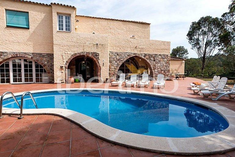 Villa   à Viladecavalls pour 8 personnes avec piscine privée p0