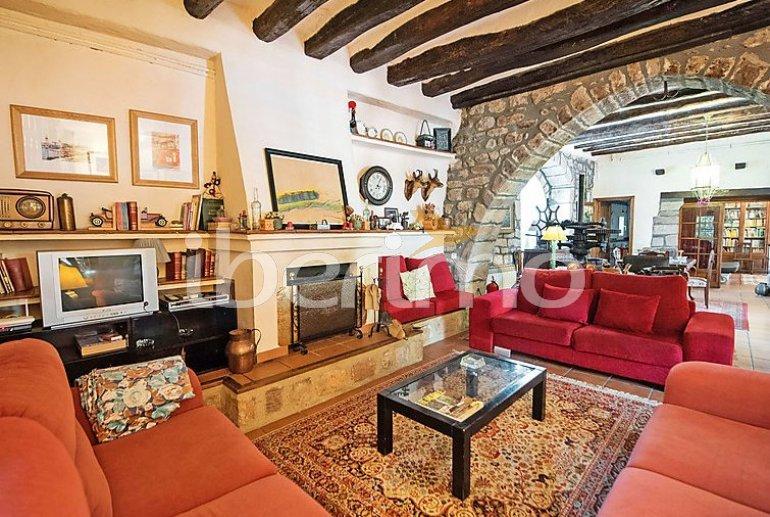 Villa   à Viladecavalls pour 8 personnes avec piscine privée p3