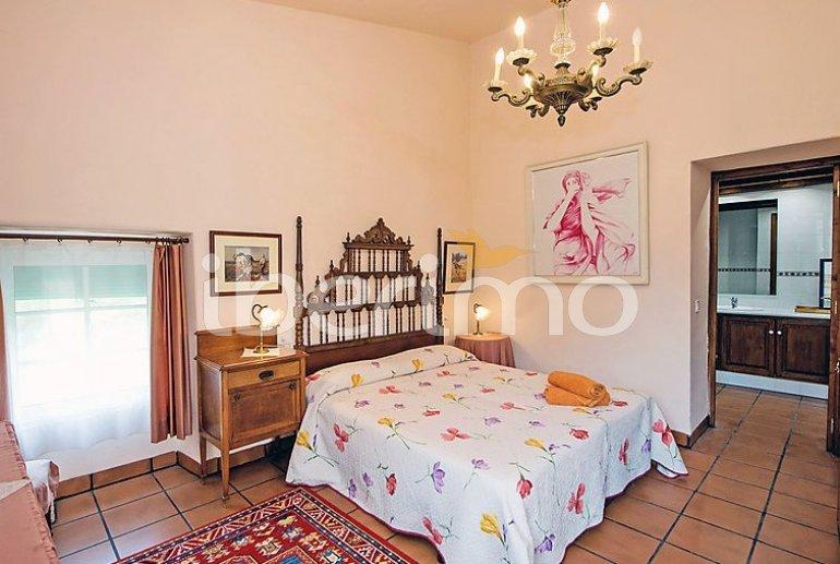 Villa   à Viladecavalls pour 8 personnes avec piscine privée p8