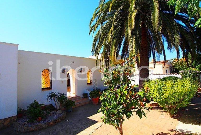 Villa   à Empuriabrava pour 4 personnes avec lave-vaisselle p1