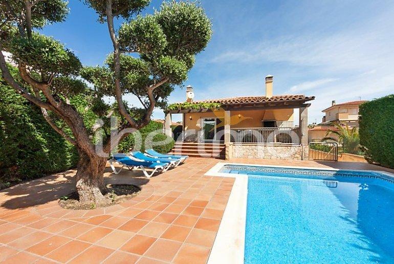 Villa   à L'Escala pour 13 personnes avec piscine privée p0