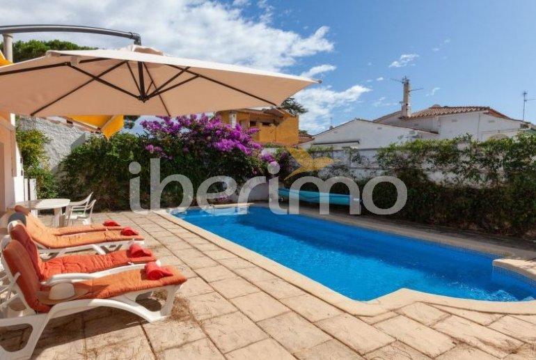 Villa   à L'Escala pour 6 personnes avec piscine privée p0
