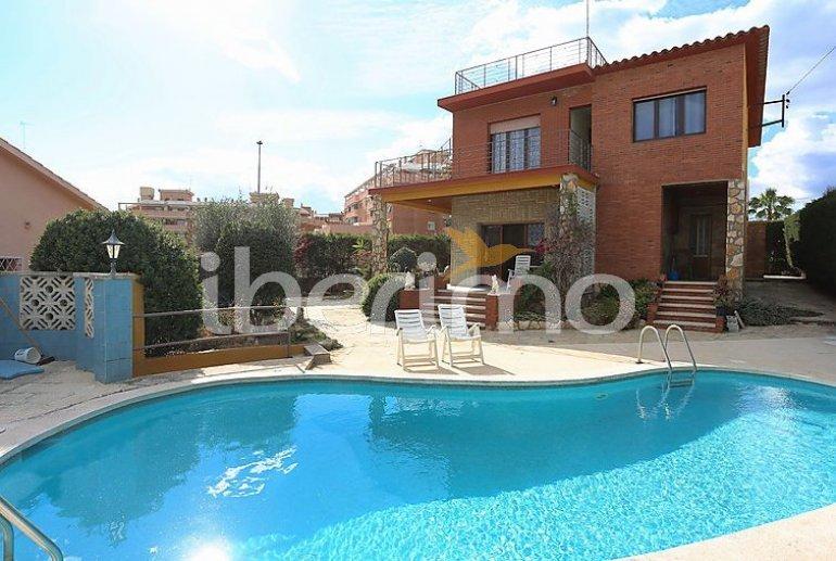 Villa   à Torredembarra pour 8 personnes avec piscine privée p0