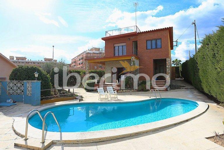 Villa   à Torredembarra pour 8 personnes avec piscine privée p1