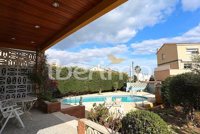 Villa   à Torredembarra pour 8 personnes avec piscine privée p2