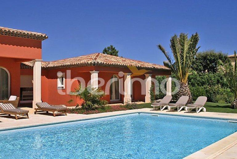 Villa   à Grimaud pour 8 personnes avec piscine privée p1