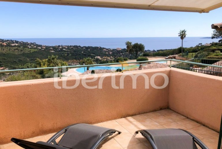 Villa   à Les Issambres pour 4 personnes avec piscine commune p0