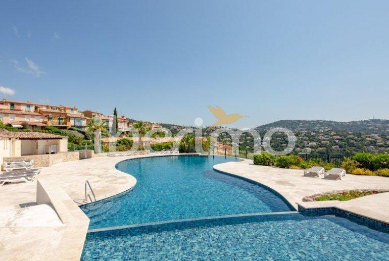 Villa   à Les Issambres pour 4 personnes avec piscine commune p2