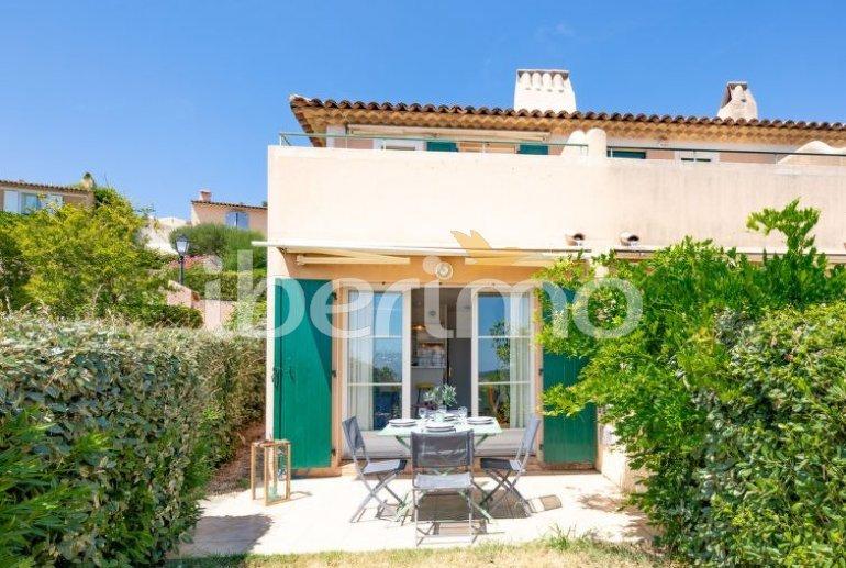 Villa   à Les Issambres pour 4 personnes avec piscine commune p3