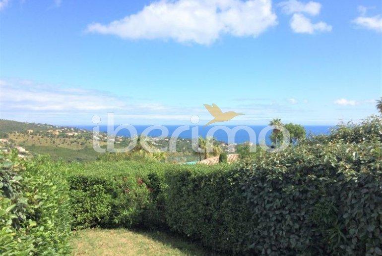 Villa   à Les Issambres pour 4 personnes avec piscine commune p8