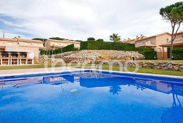 Villa   à L'Escala pour 6 personnes avec piscine commune p10