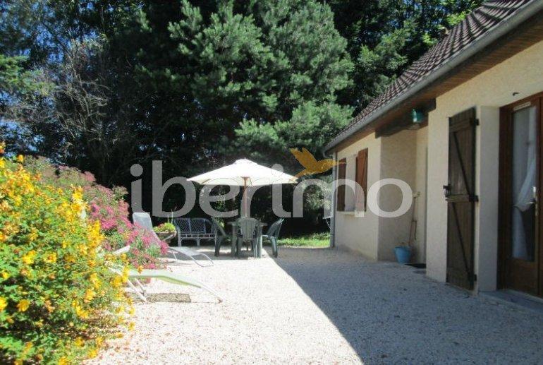 Villa   à Aubazine pour 4 personnes avec piscine commune p2