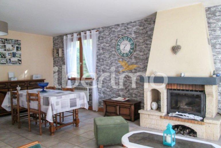 Villa   à Aubazine pour 4 personnes avec piscine commune p6