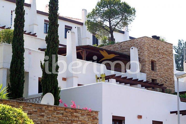 Villa   à Mijas pour 6 personnes avec piscine commune p6