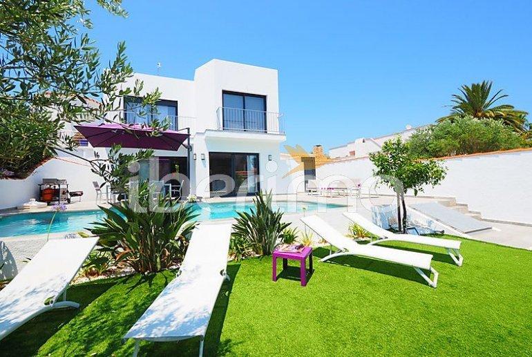 Villa   à Empuriabrava pour 10 personnes avec piscine privée p1