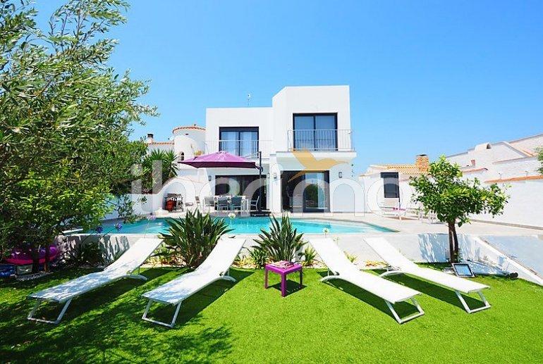 Villa   à Empuriabrava pour 10 personnes avec piscine privée p5