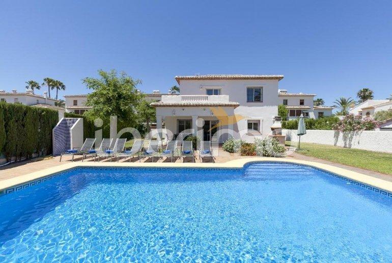Villa   à Denia pour 8 personnes avec piscine privée p4