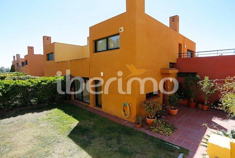 Villa   à Torredembarra pour 6 personnes avec piscine commune p0