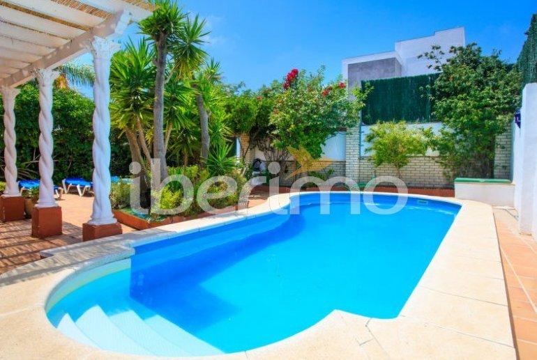 Villa   à Nerja pour 11 personnes avec piscine privée p0