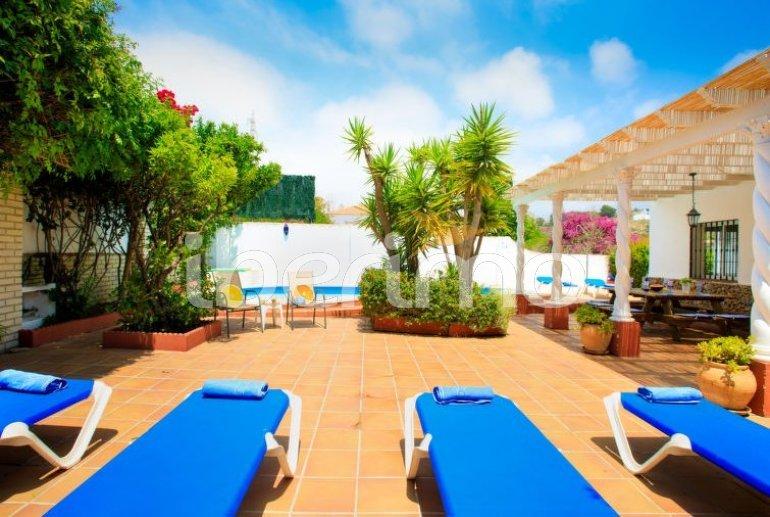 Villa   à Nerja pour 11 personnes avec piscine privée p12