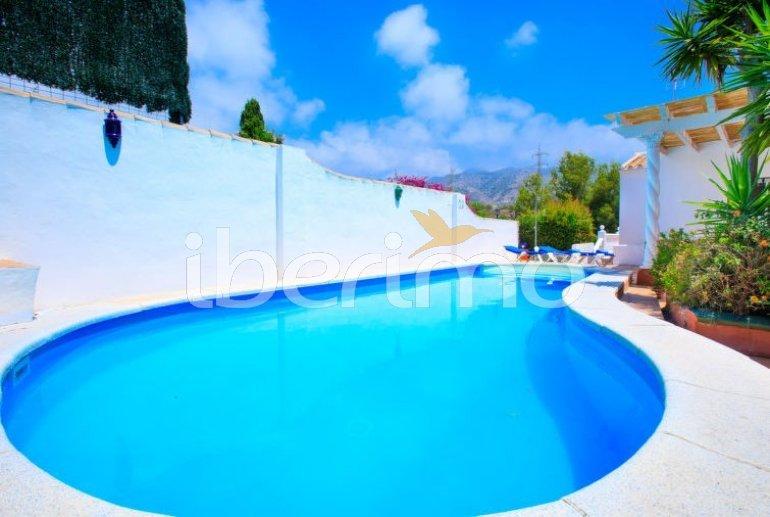 Villa   à Nerja pour 11 personnes avec piscine privée p16