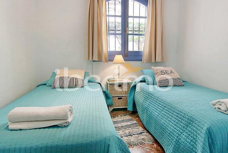 Villa   à Nerja pour 5 personnes avec piscine privée p5