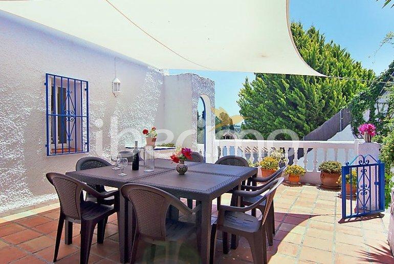 Villa   à Nerja pour 9 personnes avec piscine privée p1