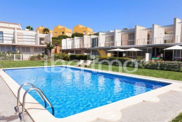Villa   à L'Ampolla pour 6 personnes avec piscine commune p3
