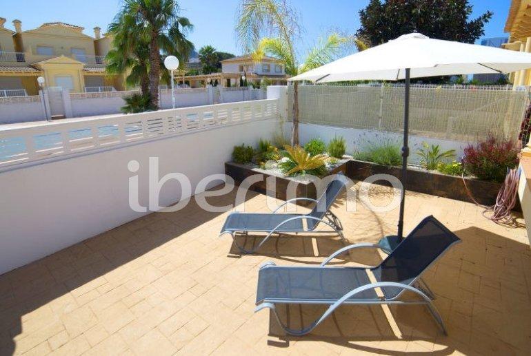 Villa   à Calpe pour 8 personnes avec piscine commune p1