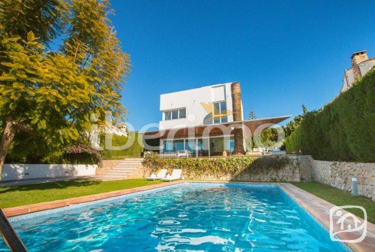 Villa moderne à Benissa pour 6 personnes avec piscine privée, internet et climatisation p0