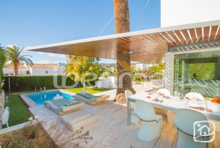 Villa moderne à Benissa pour 6 personnes avec piscine privée, internet et climatisation p1