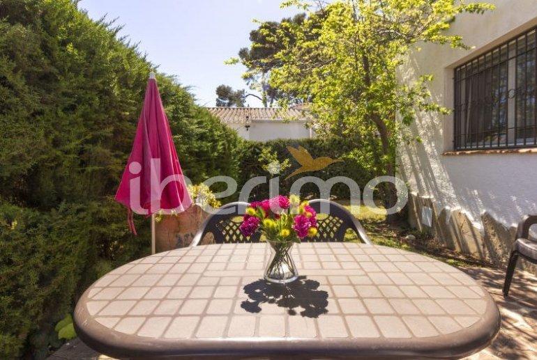 Villa   à Cambrils pour 6 personnes avec piscine commune p4