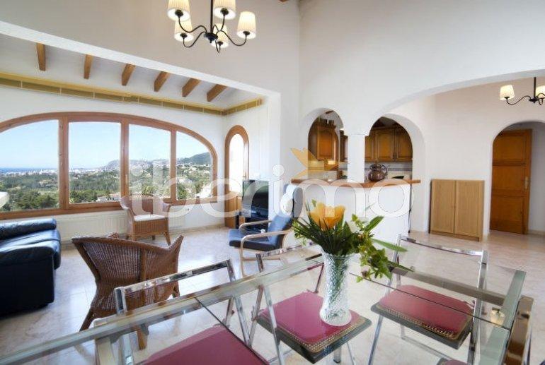 Villa   à Calpe pour 6 personnes avec piscine commune p2