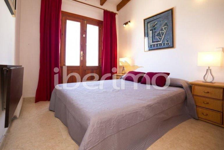 Villa   à Calpe pour 6 personnes avec piscine commune p6